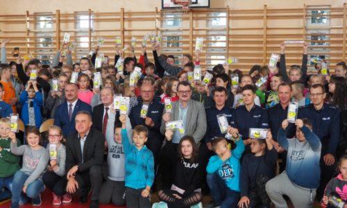 W 2018 roku ponad 14 tysięcy uczniów i przedszkolaków z subregionu radomskiego zostało wyposażonych w elementy odblaskowe